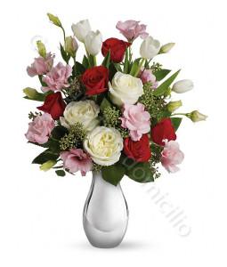 consegna-fiori-a-domicilio-bouquet-roselline-rosse-bianche-rosa