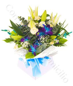 consegna-fiori-a-domicilio-bouquet_di_gigli_rose_orchidee
