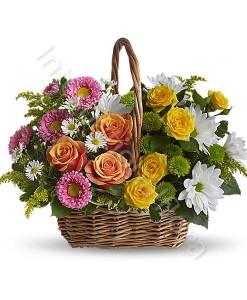 consegna-fiori-a-domicilio-cesto-di-rose-gialle-e-arancio-margherite-e-fiori-rosa-247x300